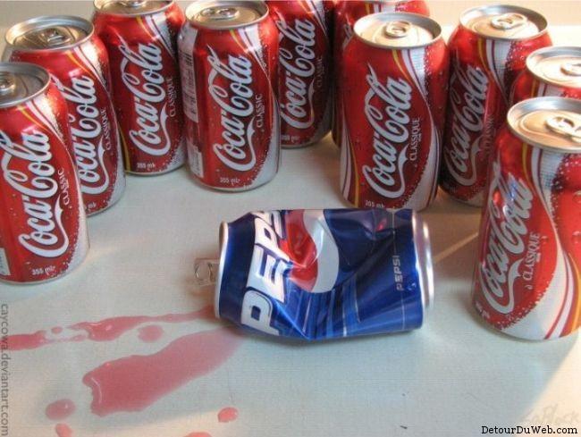 Une bande de coca contre un pepsi